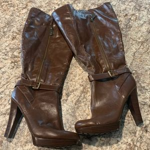 Size 9M guess boots. Worn once for pictures.